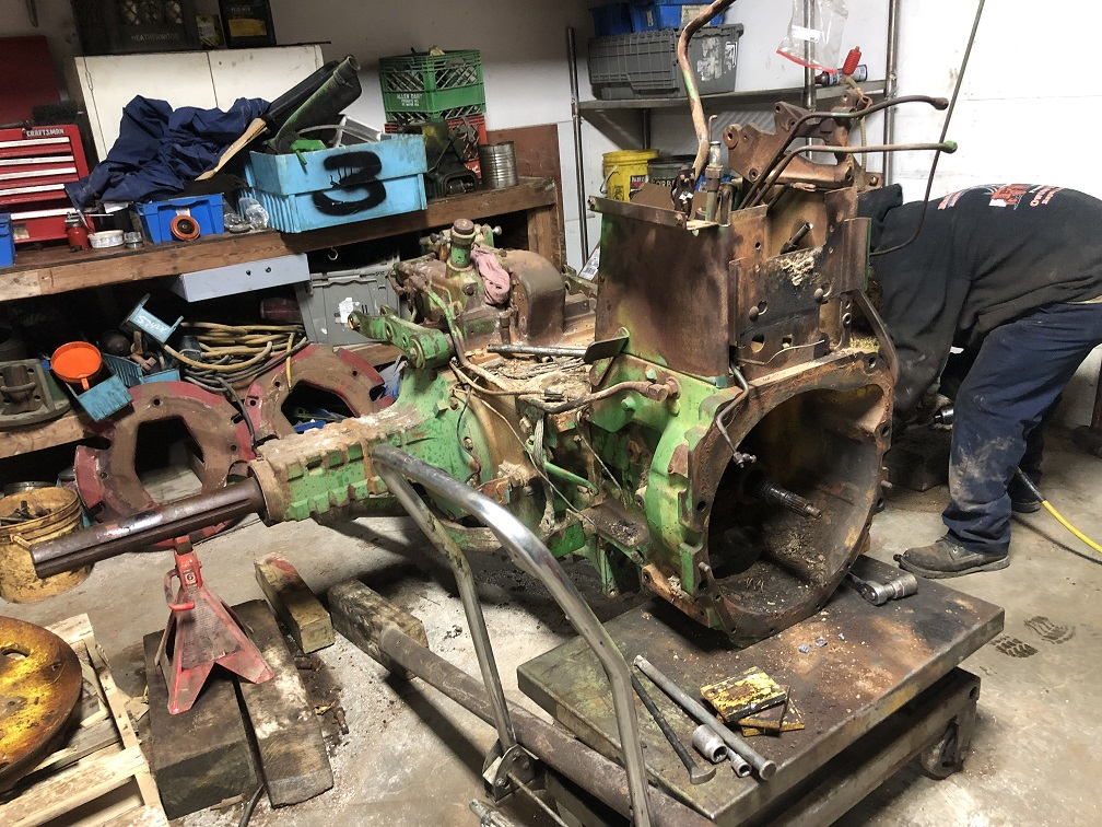john deere 4010 rear differential assembly